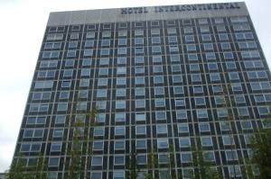 L'Hôtel Intercontinental de Genève. Photo: FBradley Roland, Voix d'Exils