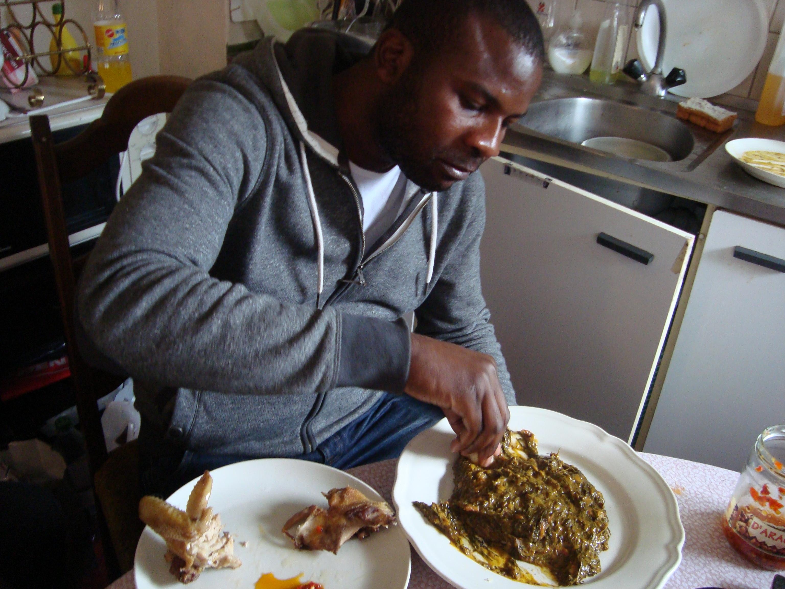 Voix d exils migrations et societes la voix des migrants for Cuisine en locale