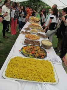 Le traditionnel repas multiculturel de la fête de Bex. Photo: Voix d'Exils