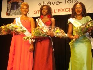 De gauche à droite:  2ème dauphine, Miss Diaspora africaine, 1ère dauphine