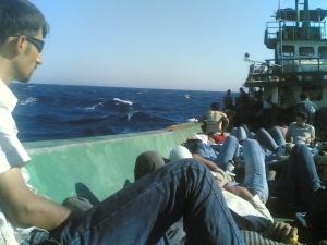 Photo exclusive d'un voyage clandestin reliant la Grèce à l'Italie effectué en 2009 qui a été communiquée à Voix d'Exils.