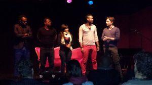 La troupe des rescapés durant le représentation à Yverdon. Photo: Voix d'Exils