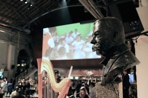 Buste de Fridtjof Nansen, cérémonie de nansen Refugee Award 2014. Photo: Voix d'Exils