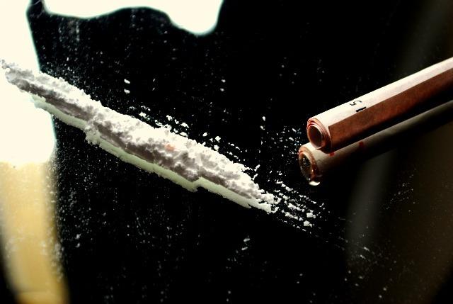 """(CC BY-NC-SA 2.0) Drugs Elle Kay """"Drugs"""" (CC BY-NC-SA 2.0)"""
