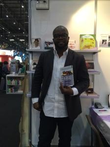"""FBRADLEY Roland présente son nouveau livre: """"Air Mawari"""" au Salon du Livre et de la presse de Genève."""